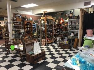 Putnam Atique store